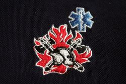 T-shirt met logo oude vlam en nieuwe helm + star of life blauw