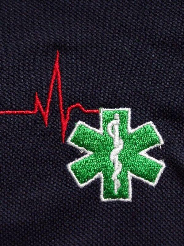 T-shirt geborduurd logo verpleegkundige