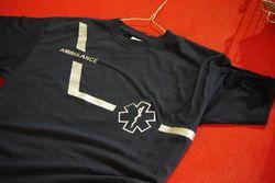 t-shirt met schuine streep en star of life