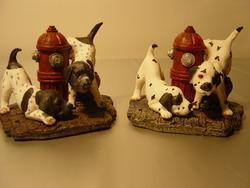 Hondjes en brandblusapparaat