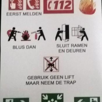 """Metalen bord """"wat te doen bij brand"""" (A4 formaat)"""