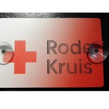 plaatje Rode Kruis met zuignappen