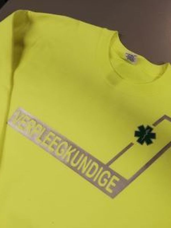 Fluo gele sweater verpleegkundige/hulpverlener/ambulance/ambulancier